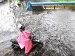 banjir-di-jalan-terusan-dieng-kota-malang-rabu-3012019.jpg