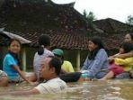 banjir-pacitan_20171128_130438.jpg