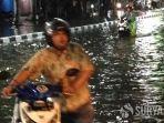 banjir-surabaya-31120.jpg