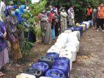 bantuan-air-bersih-di-desa-kunjorowesi-dan-desa-duyung-kecamatan-trawas.jpg