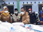 bantuan-beras-untuk-warga-lumajang-yang-terdampak-ppkm-darurat.jpg