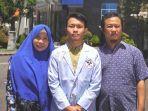 beasiswa-gojek-indonesiaarya-bersama-ayahnya-bandriya.jpg