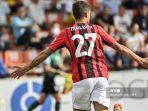 berita-ac-milan-paolo-maldini-kegirangan-usai-putranya-cetak-gol-kemenangan-i-rossoneri.jpg