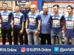 berita-arema-jersey-baru-arema-malang_20161201_210802.jpg