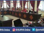 berita-bangkalan-komisi-a-bangkalan-panggil-camat_20161201_182713.jpg