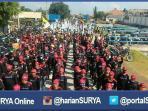 berita-gresik-buruh-bergerak-ke-surabaya_20160501_102351.jpg