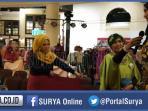 berita-jatim-ine-nova-ayu-cantik-jilbab-hijab_20160226_182754.jpg