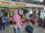 berita-suasana-penumpang-di-terminal-purabaya_20180619_154050.jpg