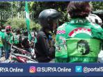 berita-surabaya-bonek-demo-depan-gedung-grahadi_20161101_111525.jpg