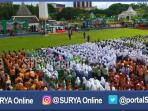 berita-surabaya-hari-santri-di-tugu-pahlawan-surabaya_20161022_082632.jpg