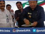 berita-surabaya-jatim-abah-ipul-potong-tumpeng-lapindo_20160412_231053.jpg