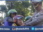 berita-surabaya-jatim-polisi-lalu-lintas-polrestabes-surabaya_20160402_001331.jpg