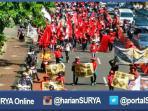 berita-surabaya-long-march-buruh_20160502_153550.jpg
