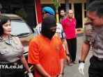 berita-surabaya-pembunuh-sopir-taksi_20170326_143022.jpg