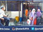 berita-surabaya-petugas-dishub-terminal-melancarkan-mudik-2016_20160713_195433.jpg