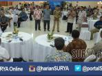 berita-surabaya-rektor-unair-temui-warga-dan-tokoh-surabaya_20160330_213143.jpg