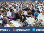 berita-surabaya-salat-idul-fitri-jamaah-tausiyah_20160629_102735.jpg