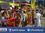 berita-surabaya-umat-hindu-surabaya-melakukan-melasti_20160306_102515.jpg