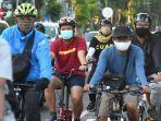 bersepeda-tetap-pakai-masker.jpg
