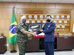 biodata-kolonel-arif-adi-nugroho-perwira-tni-au-yang-dapat-penghargaan-the-brazilian-army-medal.jpg