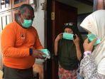 bpbd-jember-bagi-bagi-10-ribu-masker_20180703_201548.jpg