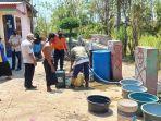 bpbd-kabupaten-probolinggo-mendistribusikan-air-bersih-di-kecamatan-lumbang.jpg