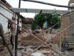 bpbd-tulungagung-mulai-salurkan-genteng-dan-asbes-ke-korban-gempa-bumi.jpg
