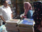 buku-murah-armuji-ketua-dprd-kota-surabaya_20180917_222601.jpg