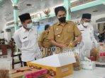bupati-madiun-ahmad-dawami-meninjau-produk-usaha-mikro-kecil-umk-kabupaten.jpg