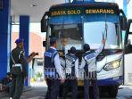 bus-mojokerto-penumpang-lebaran-mudik_20180530_155359.jpg