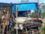 bus-sugeng-rahayu-menabrak-pohon-di-desa-jiwan-kabupaten-madiun.jpg