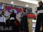 busana-muslim-industrial-futuristic-kreasi-alvera-school-of-fashion_20170623_213405.jpg