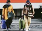 calon-penumpang-kereta-api-ka-di-stasiun-gubeng-surabaya-tiga.jpg