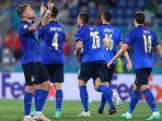 ciro-immobile-kanan-merayakan-gol-bersama-timnas-italia.jpg