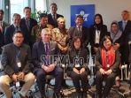 delegasi-dari-indonesia-menerima-plakat-penghargaan-dari-icao.jpg