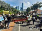 demo-mahasiswa-papua-di-grahadi.jpg