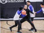 director-of-basketball-mamba-sports-academy-george-quintero.jpg