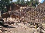 erusakan-akibat-gempa-di-desa-majang-tengah-kabupaten-malang.jpg