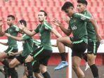 ezra-walian-masuk-daftar-24-pemain-tim-u-23-indonesia-yang-dibawa-indra-sjafri-ke-vietnam.jpg