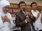 fans-rhoma-irama-dukung-khofifah-emil-di-pilgub-jatim_20180312_181806.jpg