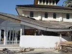 foto-foto-kerusakan-akibat-gempa-60-sr-di-banyuwangi-atap-masjid-roboh.jpg