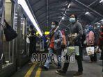 foto-ilustrasi-penumpang-kereta-api-di-masa-pandei-covid-19-di-stasiun-stasiun-gubeng-surabaya.jpg