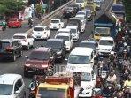 foto-ilustrasi-ratusan-kendaraan-terjebak-kemacetan-lalu-lintas-keluar-kota-malang.jpg