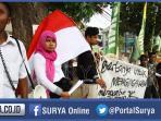 front-mahasiswa-malang-raya-jusuf-kalla-demo-unisma_20151031_212647.jpg