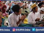 gresik-anak-yatim-doakan-semen-rembang_20170202_190133.jpg