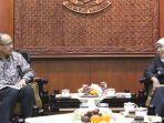 gubernur-jawa-timur-khofifah-bertemu-dengan-wakil-duta-besar-ri-di-amerika-serikat.jpg