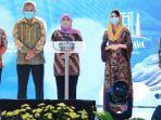 gubernur-jawa-timur-khofifah-indar-parawansa-tengah-membuka-east-java-investival-2020.jpg
