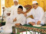 gubernur-jawa-timur-soekarwo-dan-wakilnya-saifullah-yusuf_20171105_223443.jpg
