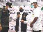 gubernur-khofifah-berbincang-dengan-wali-kota-surabaya-eri-cahyadi.jpg