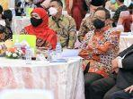 gubernur-khofifah-dan-mahfud-md-menghadiri-pelantikan-dr-siti-marwiyah.jpg